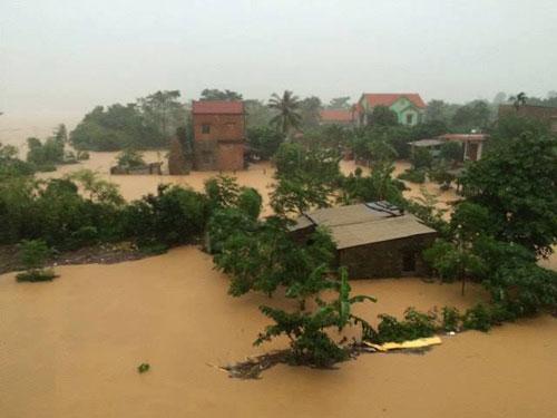 Quảng Bình lại hứng mưa lớn, nhiều nơi bị chia cắt - 1