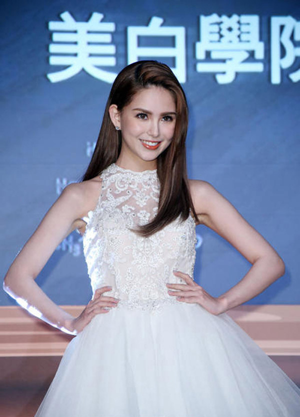 Loạt mỹ nhân Hoa ngữ đẹp bội phần sau khi kết hôn - 12