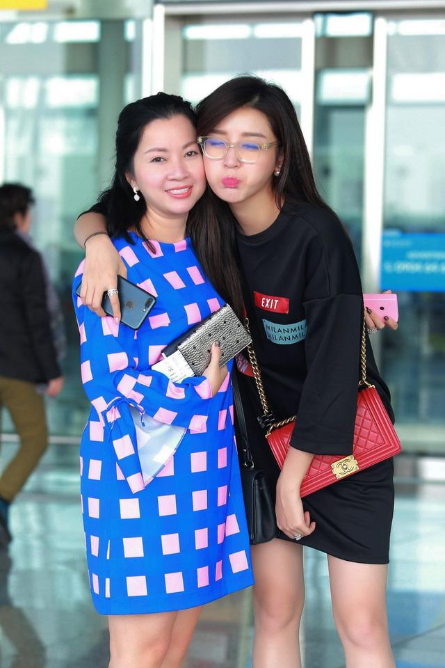 Huyền My gợi cảm khó cưỡng trên sàn diễn thời trang Malaysia - 2