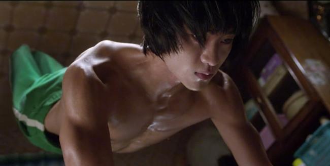 """Kim Soo Hyun gây sốc khi đóng cảnh """"yêu"""" trong phim 19+ - 6"""