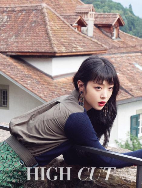 """Kim Soo Hyun gây sốc khi đóng cảnh """"yêu"""" trong phim 19+ - 5"""