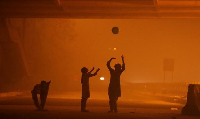 Ấn Độ ô nhiễm không khí tệ nhất 20 năm qua - 7