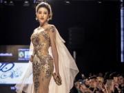 Thời trang - Huyền My gợi cảm khó cưỡng trên sàn diễn thời trang Malaysia