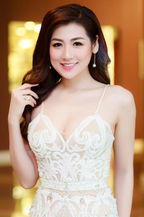 Ngọc Hân, Tú Anh so sắc với đầm cúp xẻ ngực gợi cảm - 7