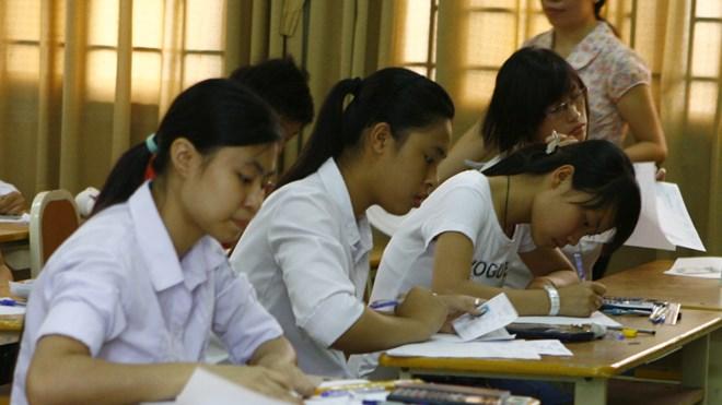 Thi THPT quốc gia 2017: Học sinh gặp khó khi ôn luyện - 1