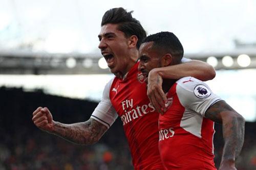 """Arsenal: Giroud công khai """"bật"""" HLV Wenger - 2"""