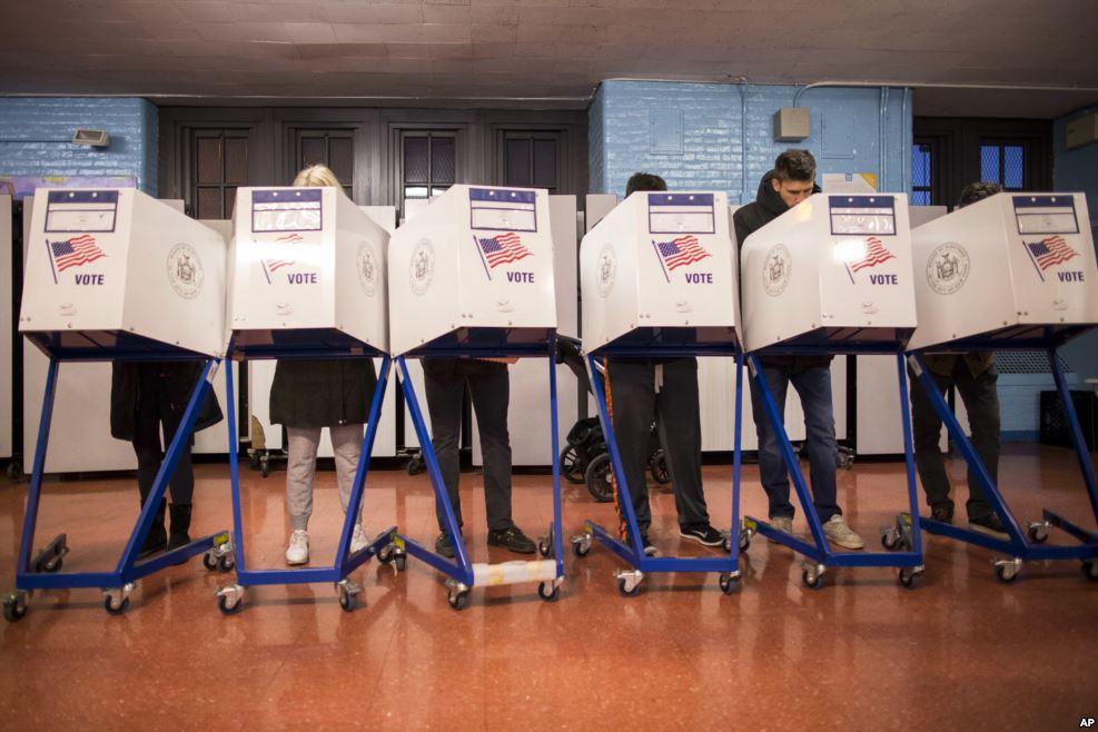 90 triệu người Mỹ xếp hàng kiên nhẫn chờ bỏ phiếu - 3