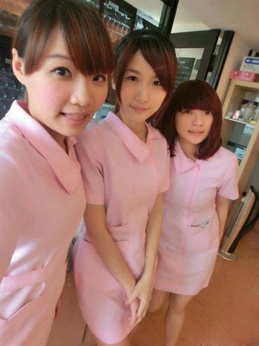Ngượng chín mặt với nữ y tá diện váy ngắn khám bệnh - 6