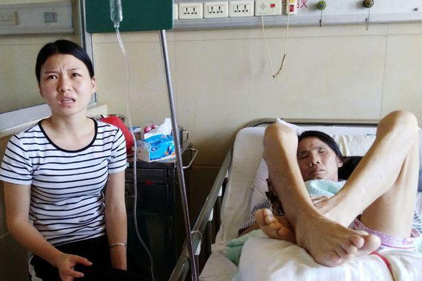 TQ: Cô gái trẻ rao bán thân để cứu mẹ ung thư - 1