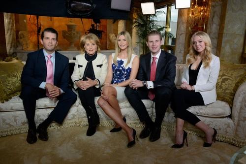 """Cô út đẹp như tiên của tỷ phú Trump gây choáng với cuộc sống giàu """"không tưởng"""" - 3"""
