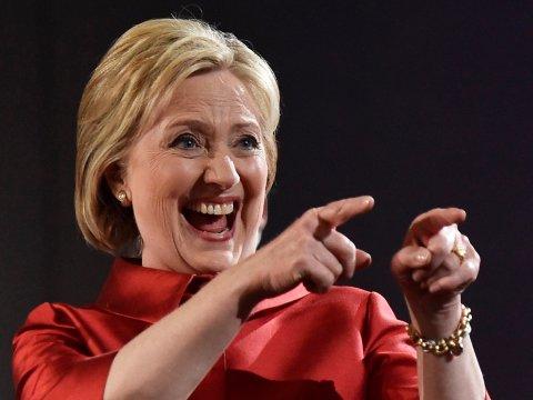 Bà Clinton vẫn có thể đảo ngược tình thế trước Trump - 1