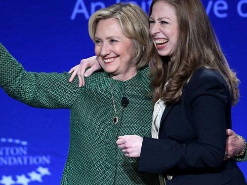 """Đọ sắc 2 ái nữ """"vàng"""" của Donald Trump và Hillary Clinton - 8"""