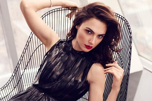 Hoa hậu Israel khiến màn bạc rung động - 1