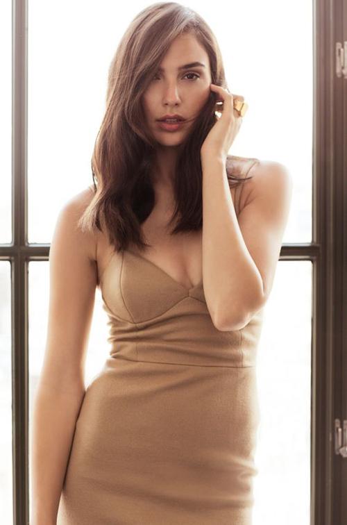 Hoa hậu Israel khiến màn bạc rung động - 6
