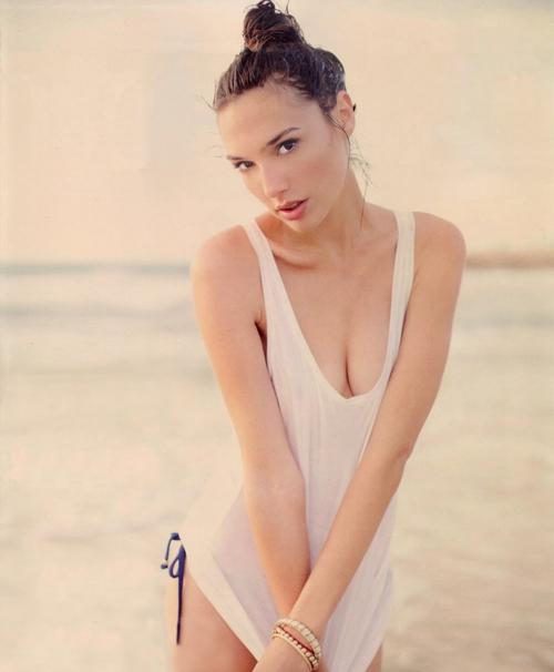 Hoa hậu Israel khiến màn bạc rung động - 9