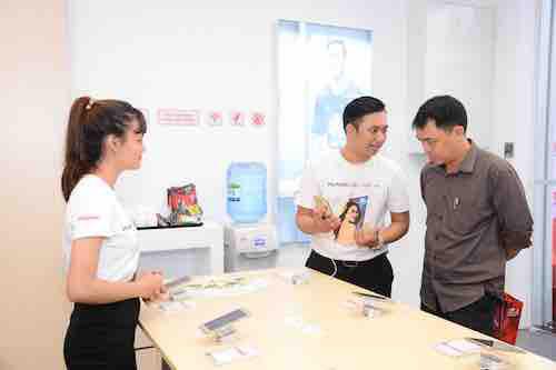 """Huawei: """"Bảo hành trong 2 giờ, chậm hơn sẽ đổi máy mới"""" - 3"""