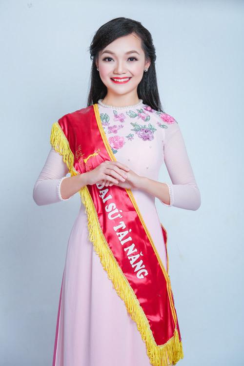 9X Việt xinh đẹp chuyên tiếp đón chính khách quốc tế - 4