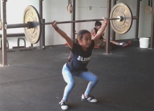 Thần đồng sức mạnh: 11 tuổi nâng tạ gấp đôi cơ thể - 4