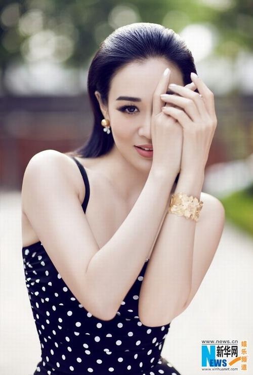"""""""Bom sex"""" gốc Việt: 3 chồng, 3 con, cực sexy và giàu sụ - 13"""