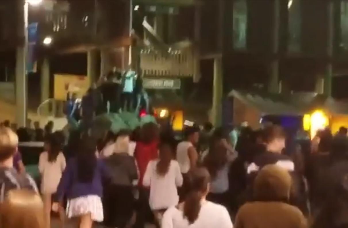 Mỹ: Biểu tình đầy bạo lực giữa đêm phản đối Trump - 1