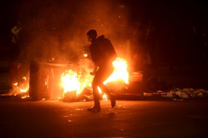 Mỹ: Biểu tình đầy bạo lực giữa đêm phản đối Trump - 3