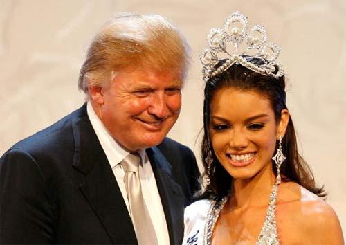 """Ông Donald Trump và những lần bị """"bao vây"""" bởi hoa hậu - 4"""