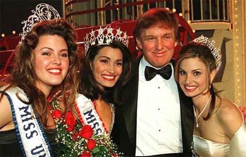 """Ông Donald Trump và những lần bị """"bao vây"""" bởi hoa hậu - 12"""