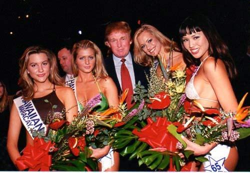 """Ông Donald Trump và những lần bị """"bao vây"""" bởi hoa hậu - 9"""