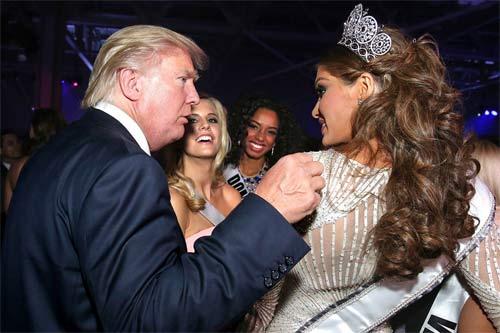 """Ông Donald Trump và những lần bị """"bao vây"""" bởi hoa hậu - 6"""