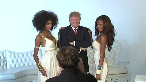 """Ông Donald Trump và những lần bị """"bao vây"""" bởi hoa hậu - 14"""