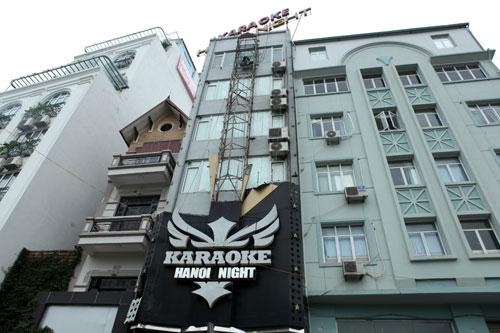 """HN: Biển quán karaoke """"khủng"""" nhan nhản khắp phố - 10"""