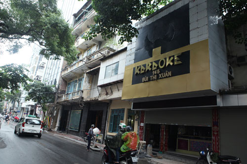 """HN: Biển quán karaoke """"khủng"""" nhan nhản khắp phố - 9"""
