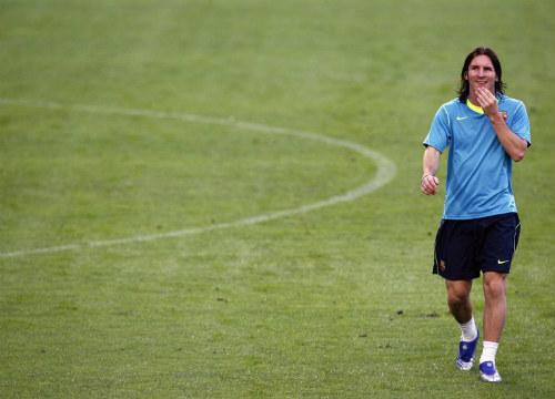 """Giật mình với quá trình Messi """"tô mực"""" chân trái - 2"""