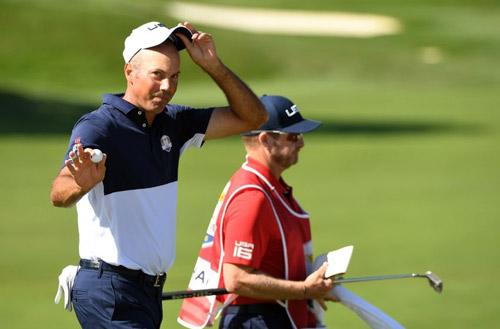 Golf 24/7: Ẵm xế khủng nhờ đánh 1 gậy trúng lỗ - 1