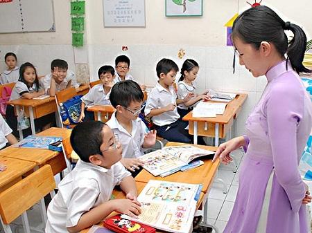 Việt Nam sẽ thừa 70.000 giáo viên vào năm 2020 - 1