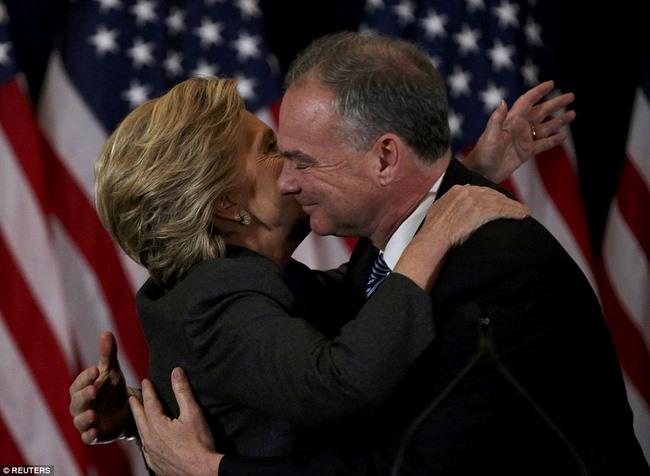 Bà Clinton nói gì sau thất bại sốc và cay đắng? - 2