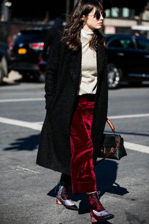 5 cách mặc đẹp thuyết phục với màu nâu trầm - 3