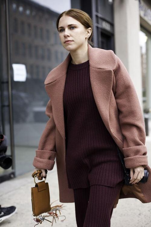 5 cách mặc đẹp thuyết phục với màu nâu trầm - 11