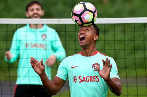 Ronaldo đẳng cấp hơn Ronaldinho, xứng đáng đoạt QBV - 5