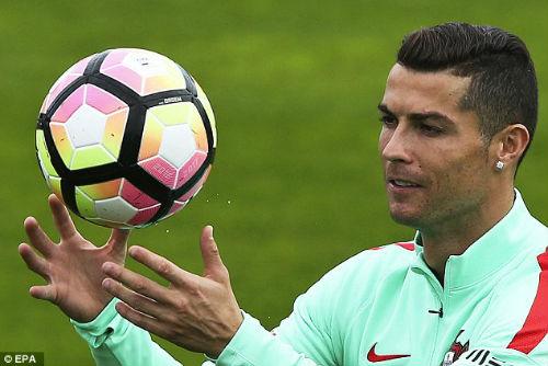 Ronaldo đẳng cấp hơn Ronaldinho, xứng đáng đoạt QBV - 6