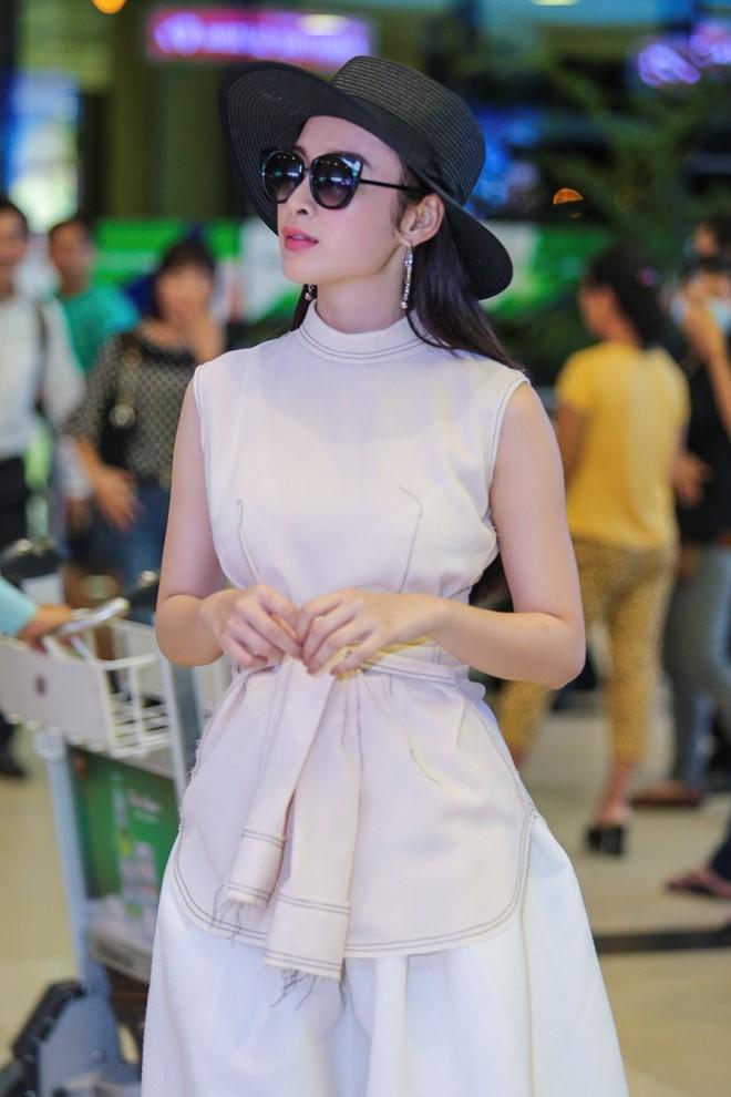 Angela Phương Trinh mặc không hở vẫn hút hồn ở sân bay - 4