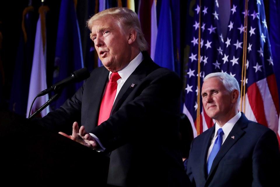 Trước khi vào Nhà Trắng, ông Trump sẽ phải ra hầu tòa - 1