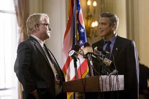 """Vén màn cuộc đua tổng thống Mỹ trong phim """"Chiến dịch tranh cử"""" - 2"""