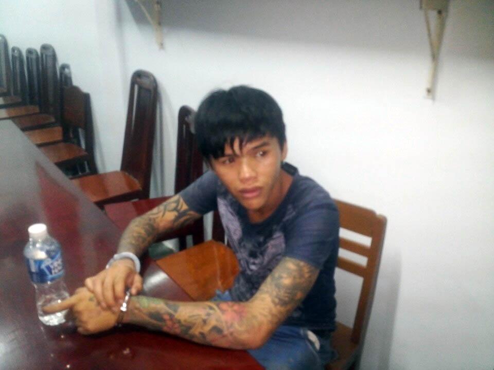 Thanh niên đâm chết người vì mâu thuẫn trên Facebook - 1