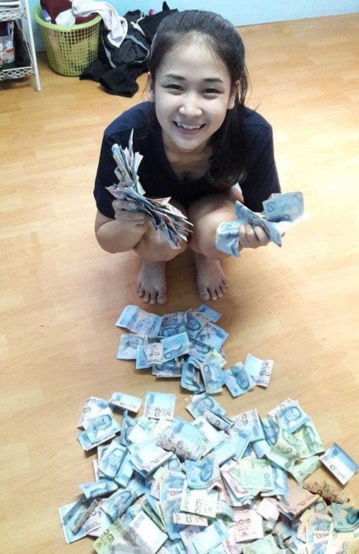 Bị chê xấu và nghèo, cô gái livestream gây sốc - 6