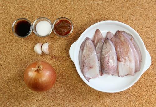Mực nướng cà ri cay cay, ăn ngay ngày gió lạnh - 1