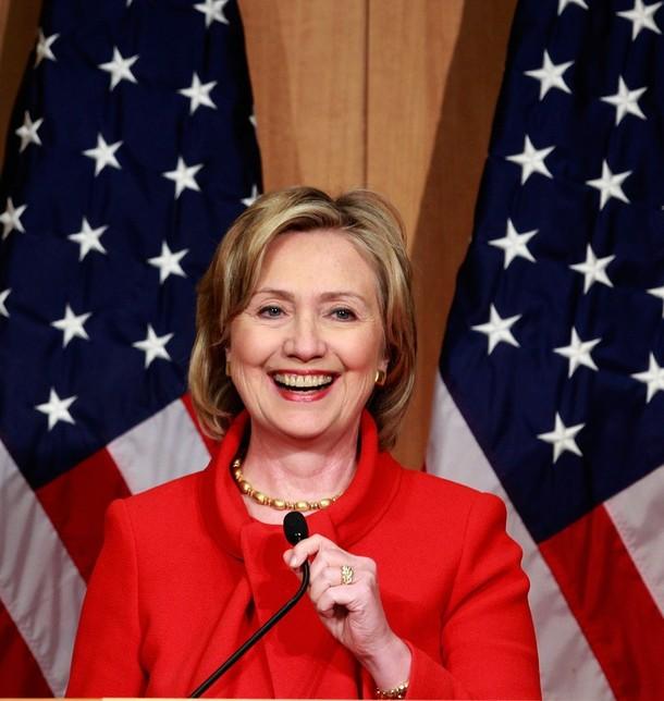 """""""Cuộc chiến"""" xanh - đỏ lạ lùng đằng sau sắc áo của Trump và Hillary - 1"""