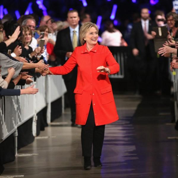 """""""Cuộc chiến"""" xanh - đỏ lạ lùng đằng sau sắc áo của Trump và Hillary - 6"""