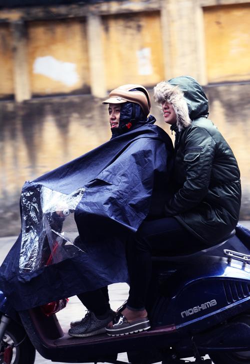 Ảnh tình yêu thi vị trong cái lạnh đầu mùa ở Thủ đô - 4