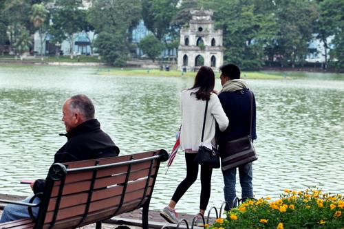 Ảnh tình yêu thi vị trong cái lạnh đầu mùa ở Thủ đô - 11